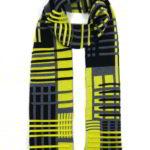 Thesis gebreide sjaal dubbelzijdige tweekleurige jacquard, 85% extra fijne merino wol en 15% zijde, lengte 160 cm, € 99,- div. kleurcombinaties