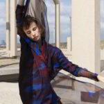 dress 309, € 255,-, scarf 704, € 95,-